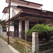 Super Murah Tanah Bonus Bangunan 732m2 Strategis Jl Raya Cibolerang Kopo.