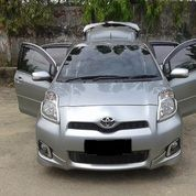 Mobil Toyota Yaris S Limited AT Tahun 2012 Silver