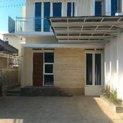 Town House Bagus Di Vila Bukit Tidar