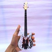 Miniatur Bass Music Man Jhonny Christ
