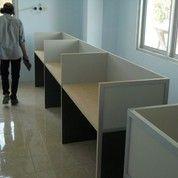Meja Sekat Kantor Lurus + Furniture Semarang