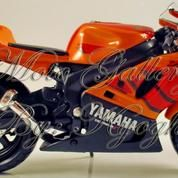 Diecast Maisto Yamaha YZF-R7 WSBK Homologation, Skala 1 / 18