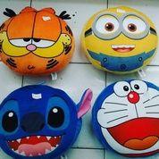 Bantal Kepala Karakter Garfield Stitch Minion Doraemon Empuk Halus Lembut SNI Ukuran M Kurleb 35cm Harga 80rb Satuan Harga Grosit Min 2 Pcs 75rb