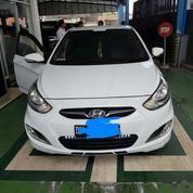 Mobil Hyundai Grand Avega 2013