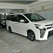 Toyota All New Voxy 2.0 CVT White
