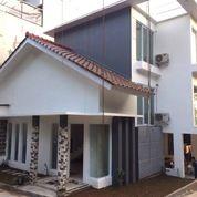 Rumah Modern Minimalis, Lokasi Strategis - DeRayya Residence