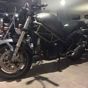 Ducati Monster 600 Tahun 2000