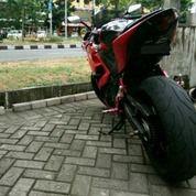Yamaha YZF R25 Red
