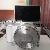 Nikon J5 Mirrorless Butuh Uang Hari Ini