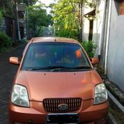 Mobil Irit Picanto 2004