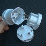 Universal Travel Adapter Promosi - Travel Adapter UAR02