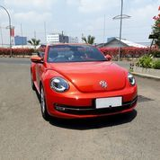 VW Beetle Cabrio 2016 Orange
