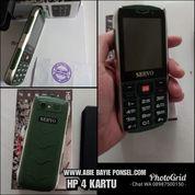 HANDPHONE UNIK DENGAN 4 KARTU SIM GSM