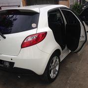Mazda 2 R 1.5 AT 2010 PUTIH (KM PENDEK)