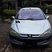 Mobil Peugeot 206 Tahun 2001
