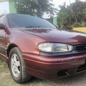 Sedan Hyundai Elantra 1996