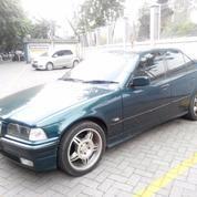 BMW 320i Limited Edition