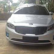 Kia Grand Sedona Ultimate Harman Kardon