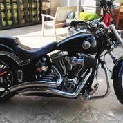 Harley Breakout 2013 ABS Low KM Istimewa