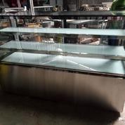 Chiller Showcase Cake Display