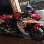 Yamaha R25 Tahun 2016 Merah