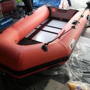 Perahu Militer Kapasitas 4 Orang