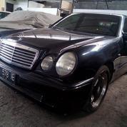 Mercedes-Benz E-230 New Eyes