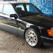 Mercedes Boxer 300E Istimewa