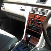Mercedez-Benz W210 E260 Facelift Thn 2000 AT Like New