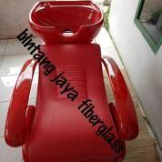 Kursi Keramas Salon Full Merah