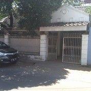 Rumah 220m2 Monginsidi Baru.