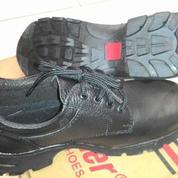 Sepatu Industri Safety Panther Cikarang