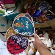 Kipas Pandan Batik