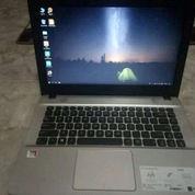 Laptop ASUS X7441BA