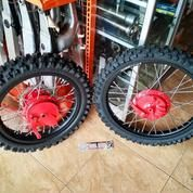 Suzuki TS125 Wheel Set 16+19
