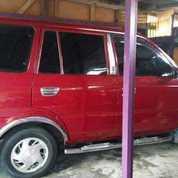 Mobil Kijang SGX Tahun 2001