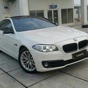 BMW 528i F10 Facelift / 2.0 T Luxury / 2015 Putih