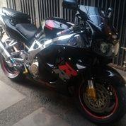 Honda CBR 919 Black