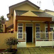 Rumah 2 Lantai Hook Di Villa Pamulang Tangerang Selatan