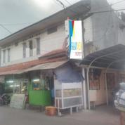 Tempat Usaha 5 Kios + 9 Kamar Kost +3 Pavilliun Di Cicadas Bandung Lokasi Strategis