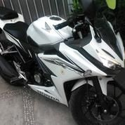 Motor Honda CBR 150 R Facelift - Mulus Bonus Aksesoris & Kunci Kontak