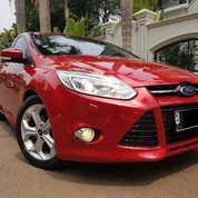 Ford Focus 2.0L At HATCHBACK 2013 Merah (Seperti Baru, TDP16)