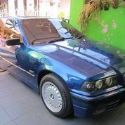 BMW Seri 3 Biru Metalik Murmer