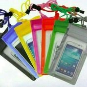 Sarung Anti Air / Waterproof Pelindung Handphone / HP Samsung Oppo Dll