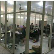 LOKASI Strategis Gedung Kantor 2 Lantai,Jl. Raya Jemursari(Prapen)