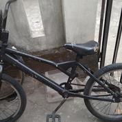 "Sepeda Bmx 20"" Warna Hitam"