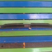 Grill AC Galant Hiu Bagian Kaca Depan (Defroster)