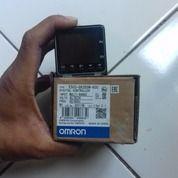 Temperature Controller Omron E5CC QX2DSM 800