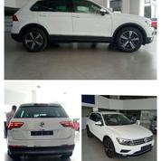 About Indonesia VW Tiguan 1.,4 TSI Dp 0% + Free Service 5thn