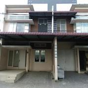 Rumah Cantik Pinggir Jalan 50 Meter Dari Jl. Ring Road Medan